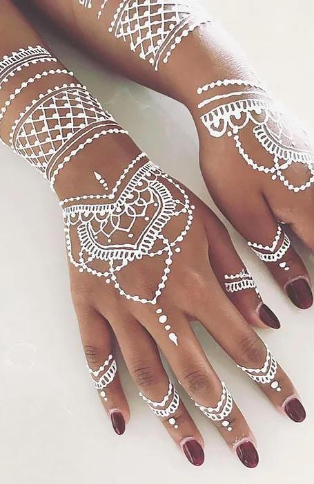henna blanca tatuaje